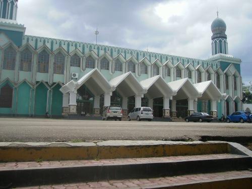 masjid agung kdi